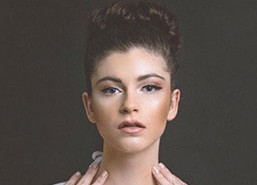 Model Abbie R